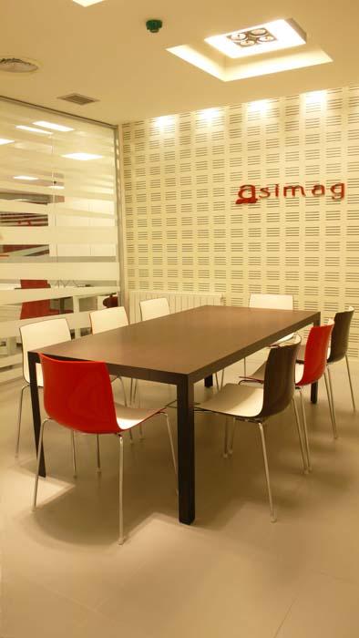 Sube Susaeta Interiorismo www.subeinteriorismo.com diseño y decoración oficinas, sala reuniones, Bilbao