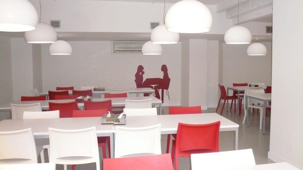 Sube Susaeta Interiorismo www.subeinteriorismo.com diseño y decoración oficinas, comedor office, Bilbao