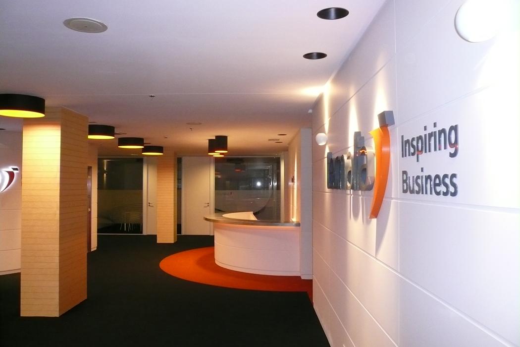 Sube Susaeta Interiorismo www.subeinteriorismo.com realiza la decoracion de oficinas para empresa Tecnalia, Parque Tecnologico Bizkaia.