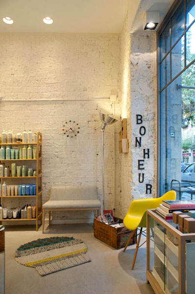 El proyecto de interiorismo comercial en peluquería en Homify