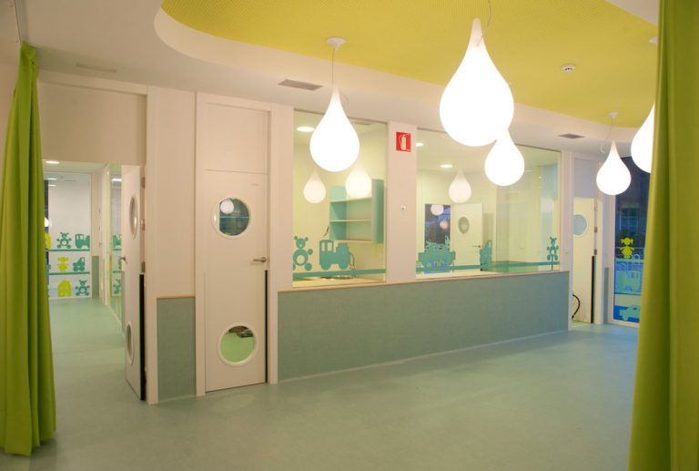 diseño de interior escuela en Zalla