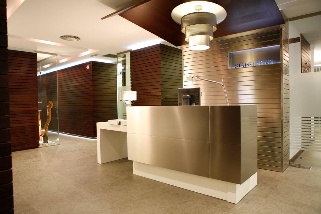 Dise o oficinas en bilbao staff legal abogados for Imagenes de oficinas de lujo