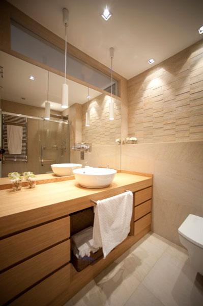 Sube Susaeta Interiorismo www.subeinteriorismo.com realiza la decoracion de vivienda en Bilbao, reforma integral. Diseño interior de cuarto de baño principal