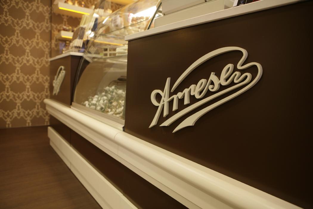 interiorismo comercial, diseño de pastelerias Arrese Deusto