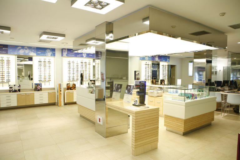 interiorismo comercial optica en Santurtzi SUBE