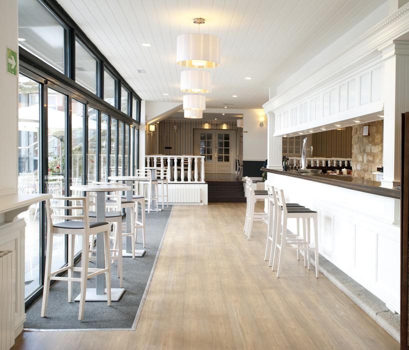 Reforma y decoraci n de bares cafeter a bar jolaseta en - Interiorismo getxo ...