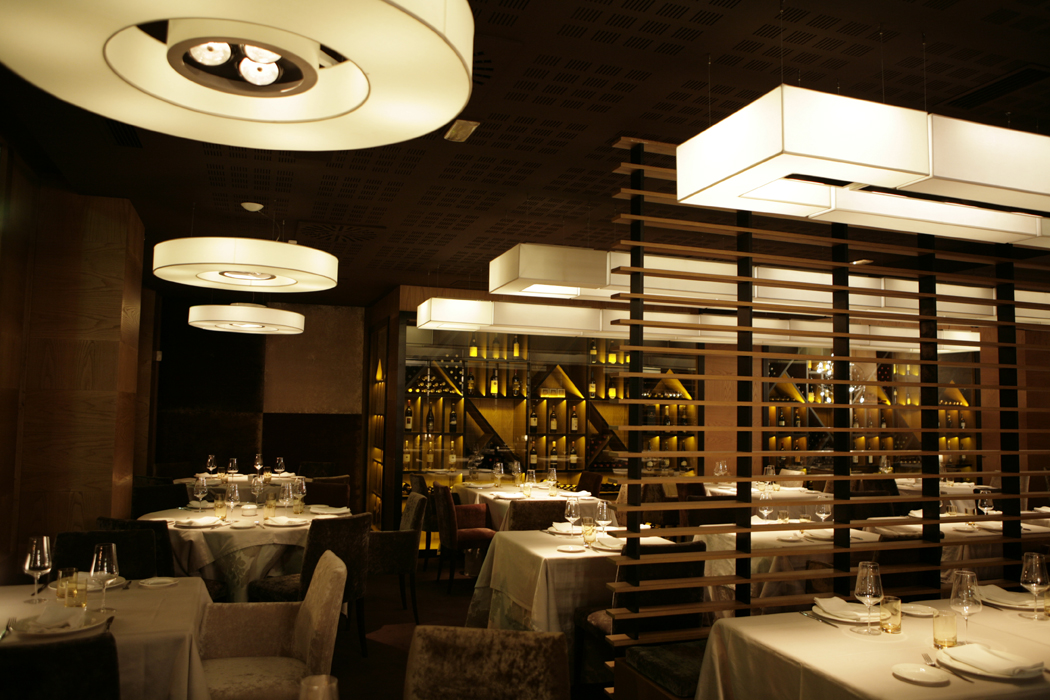 Decoraci n de restaurantes italianos piu di sua bilbao sube interiorismo - Sube interiorismo ...