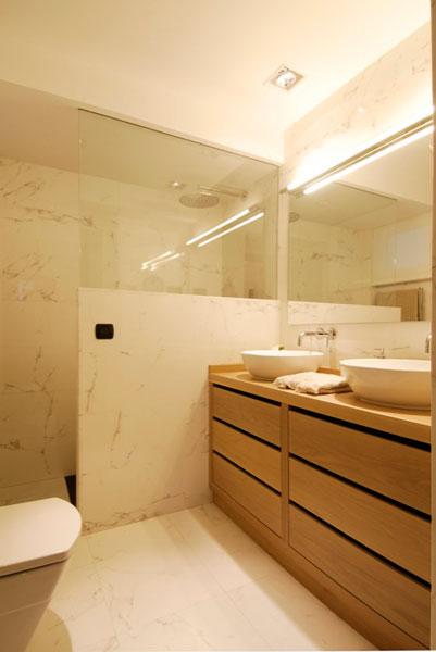 Diseño cuarto de baño con ducha en Araba por SuBe Susaeta Interiorismo Sube Contract
