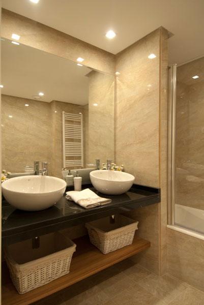 Sube Susaeta Interiorismo Sube Contract www.subeinteriorismo.com realiza la reforma de vivienda en Deusto -Bilbao, diseño interior de cuarto de baño