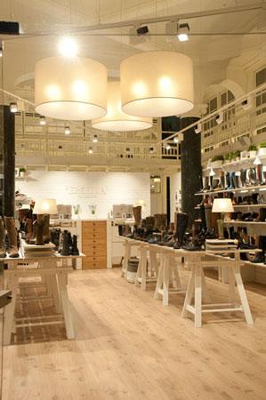 Sube Susaeta Interiorismo Contract, decoracion y diseño de zapateria, en Bilbao