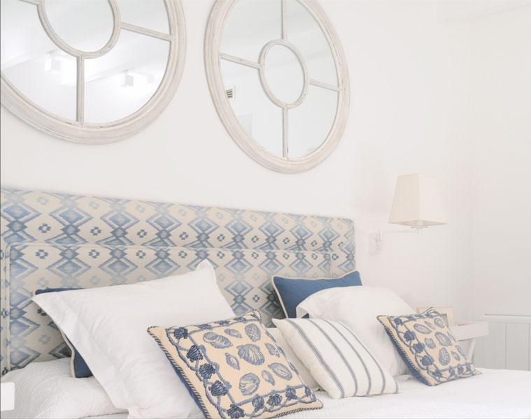 Interior decoración dormitorio por Sube Susaeta Interiorismo, en vivienda de verano Marbella