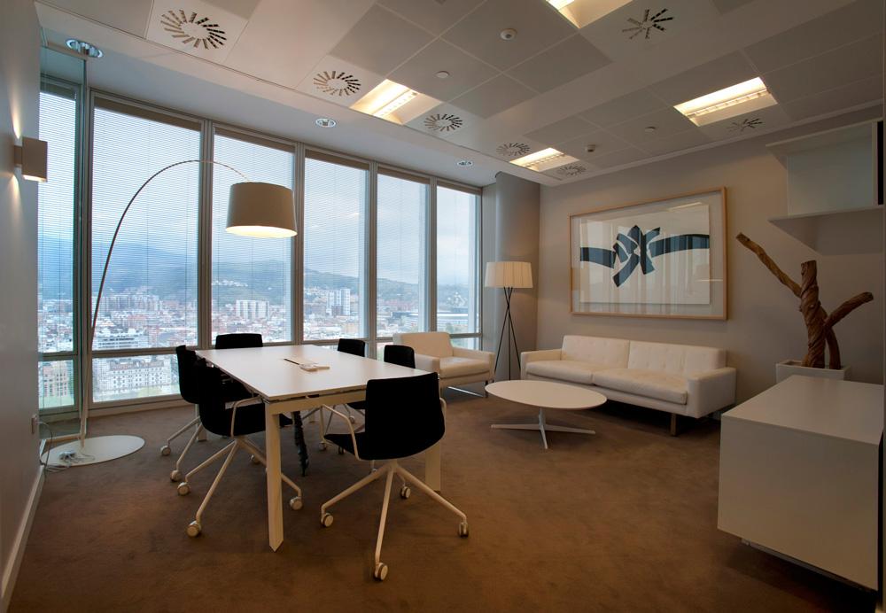 Sube Susaeta Interiorismo www.subeinteriorismo.com realiza la decoracion de oficinas modernas y funcionales