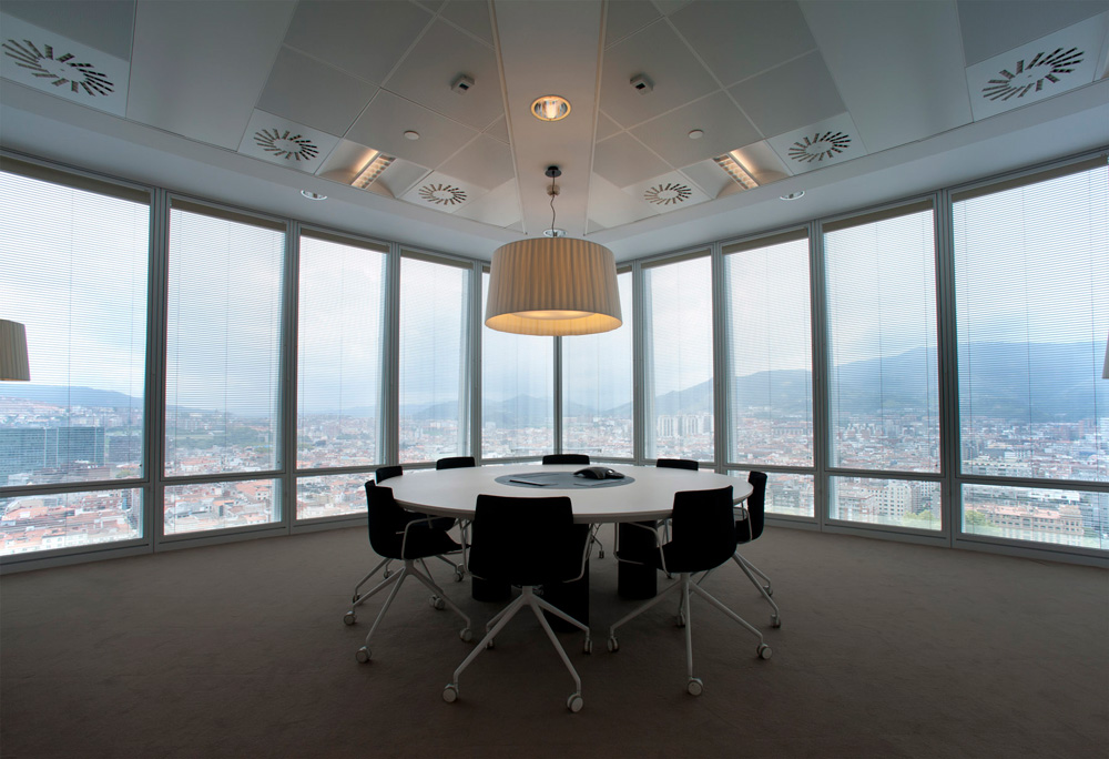 Sube Susaeta Interiorismo www.subeinteriorismo.com realiza la decoracion de oficinas para empresa Bilbao.