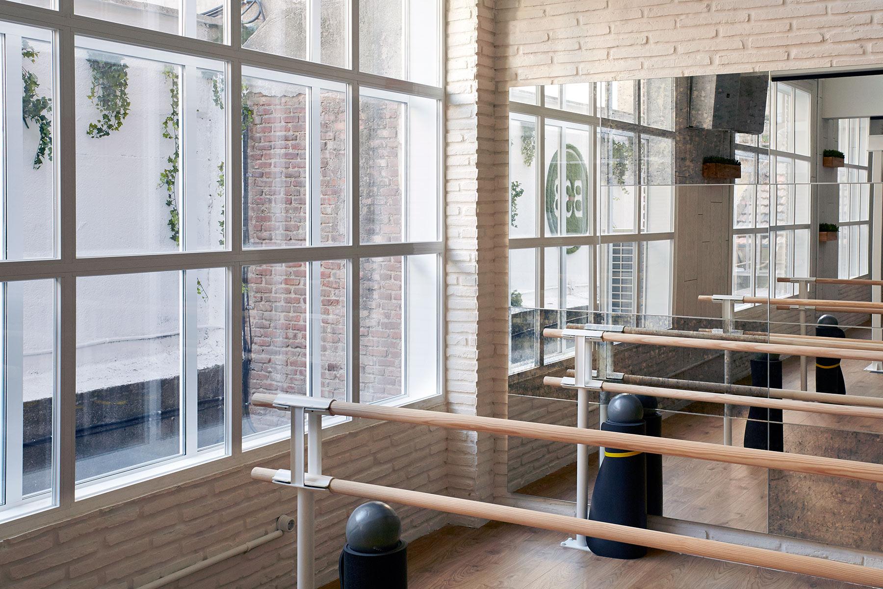 Dise o espacios singulares decoraci n gimnasio en madrid sube interiorismo - Sube interiorismo ...