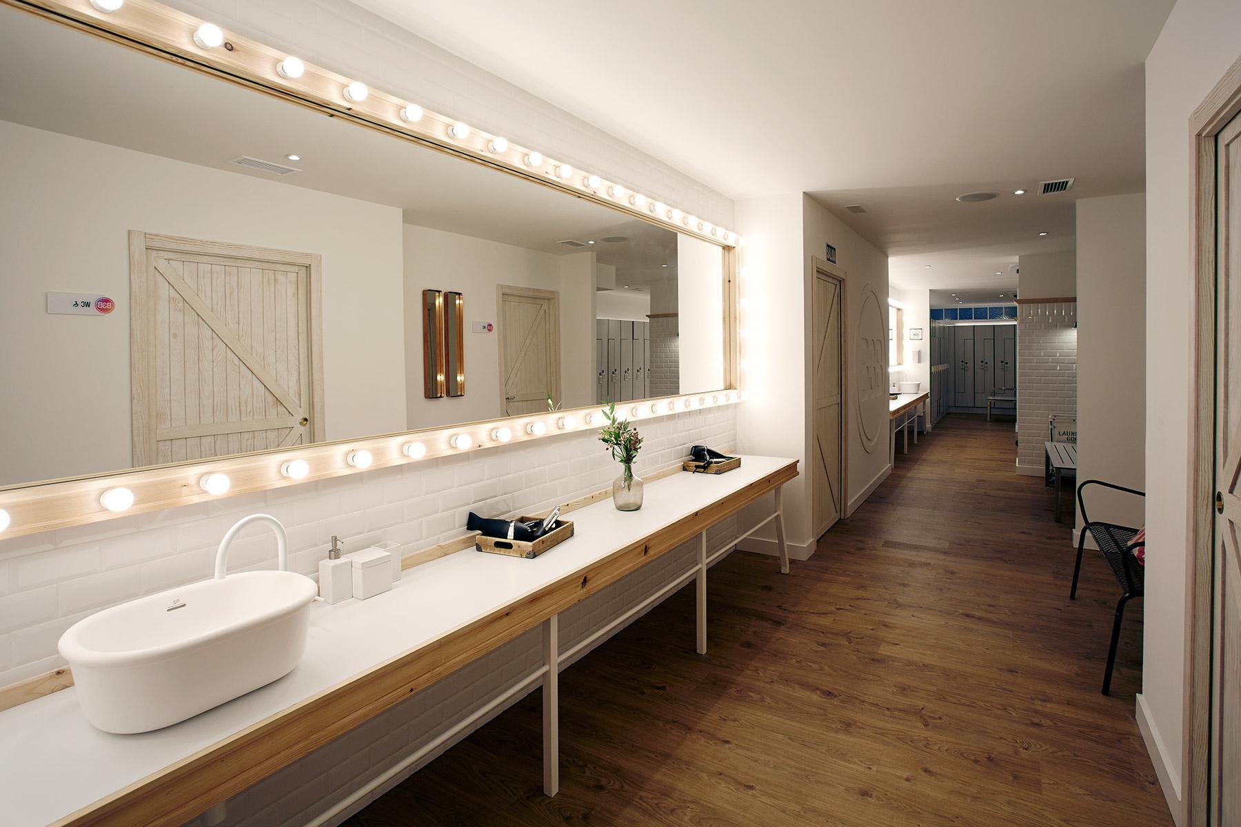 Dise o espacios singulares decoraci n gimnasio en madrid for Diseno decoracion espacios
