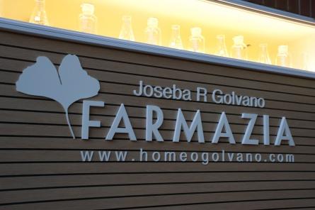 Sube Interiorismo Bilbao diseño interior de farmacia