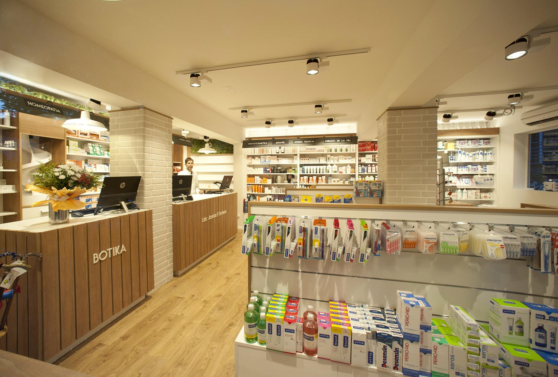 Dise o integral de farmacia en bilbao por sube for Licenciatura en decoracion de interiores