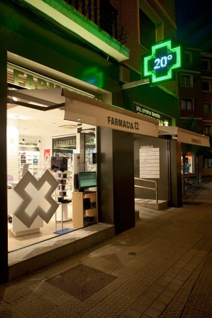 Sube Interiorismo Bilbao diseño farmacia