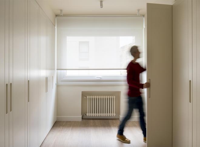 Sube Interiorismo reforma integral de vivienda en Bilbao, vestidor