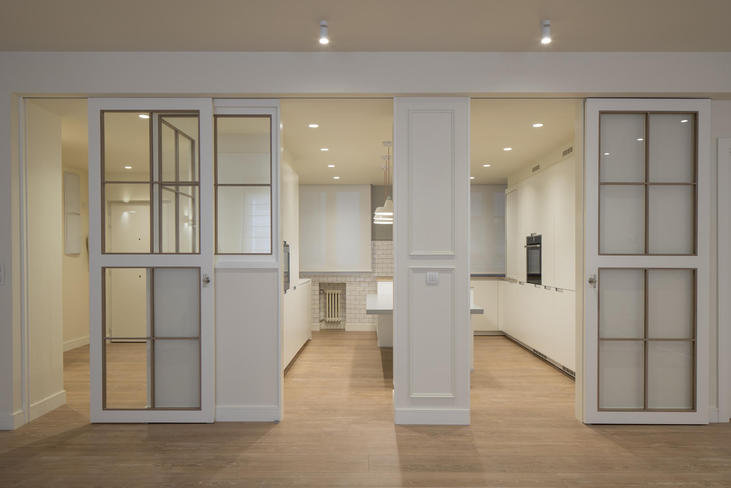 Reforma integral de piso en bilbao sube interiorismo for Cocina unida a salon