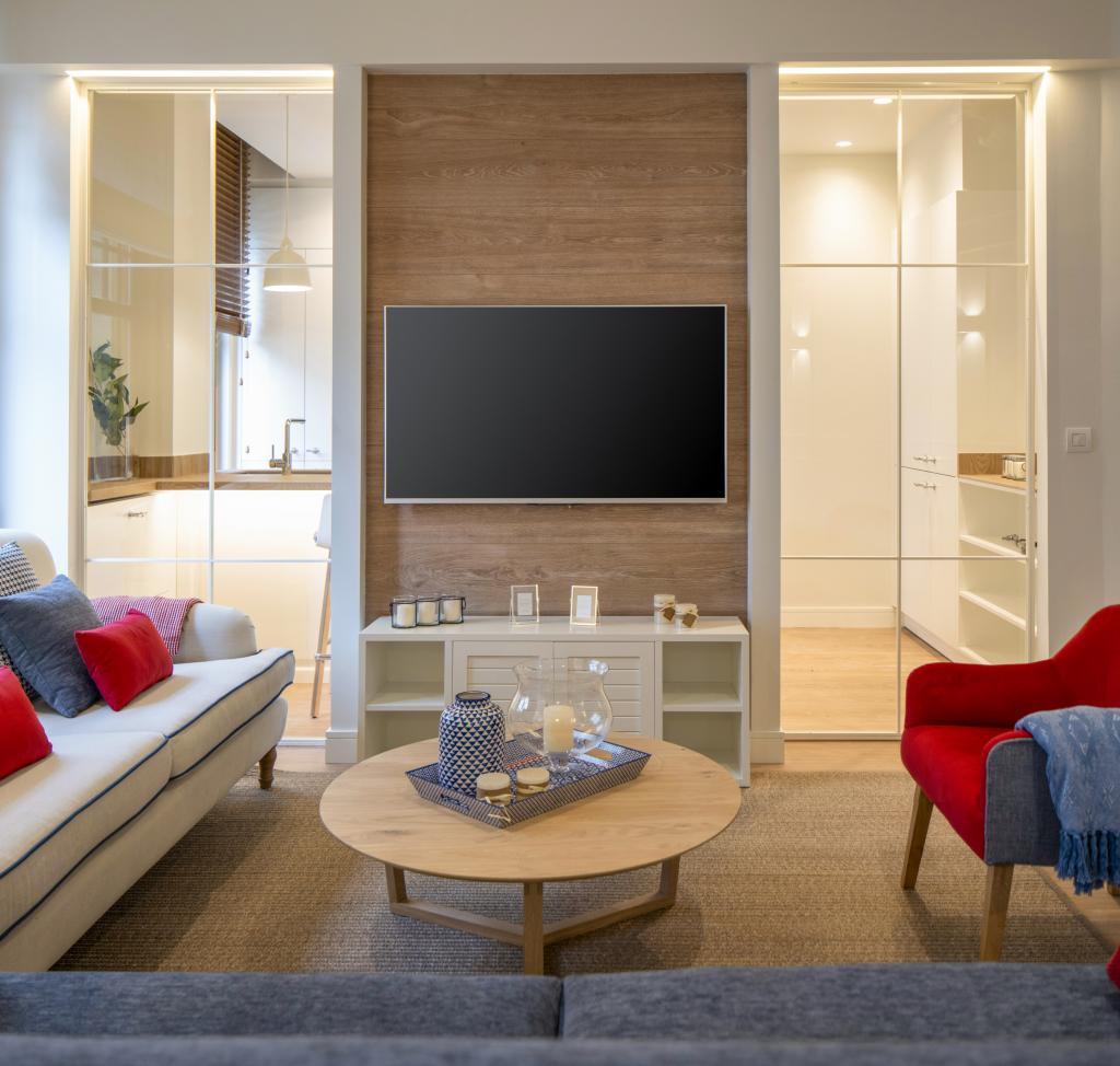 Diseño interior de salón, en reforma integral de vivienda, por Sube Interiorismo, Bilbao