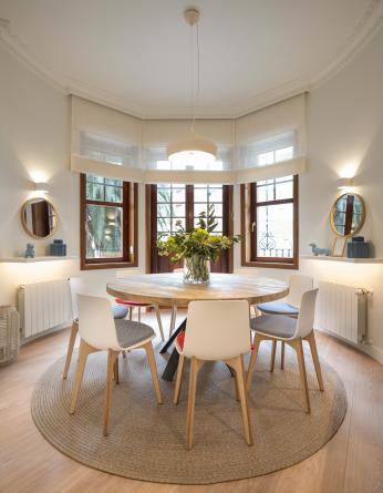 Diseño interior de comedor, en reforma integral de vivienda, por Sube Interiorismo, Bilbao