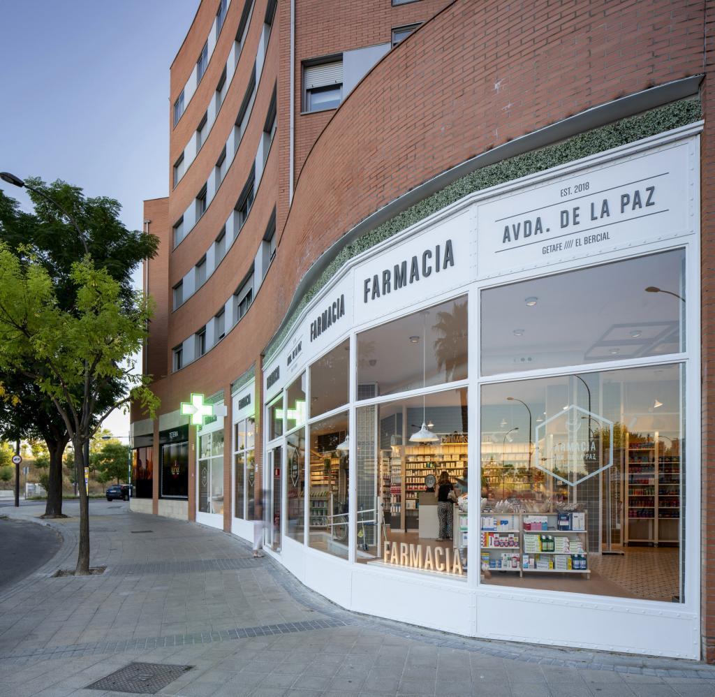 Diseño de farmacia en Madrid - Sube Interiorismo
