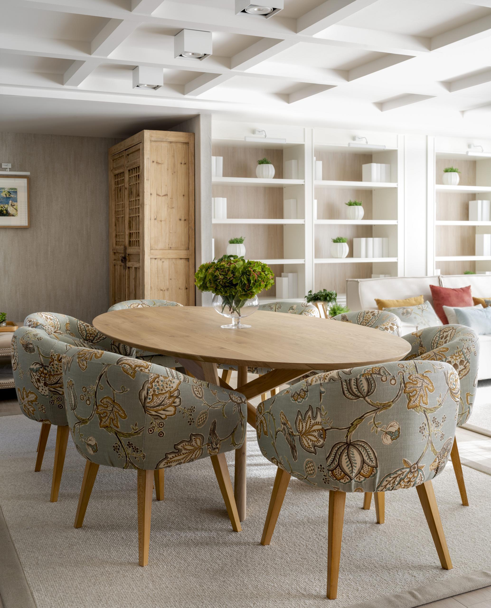 Diseño de comedor en salón, en reforma integral de vivienda Sube Interiorismo, Bilbao