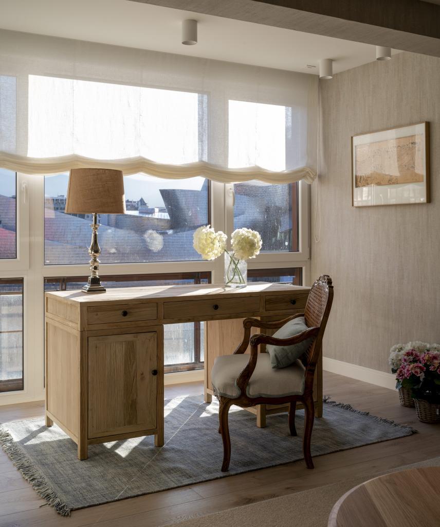 Escritorio de madera para estudiar o trabajar en casa, home office