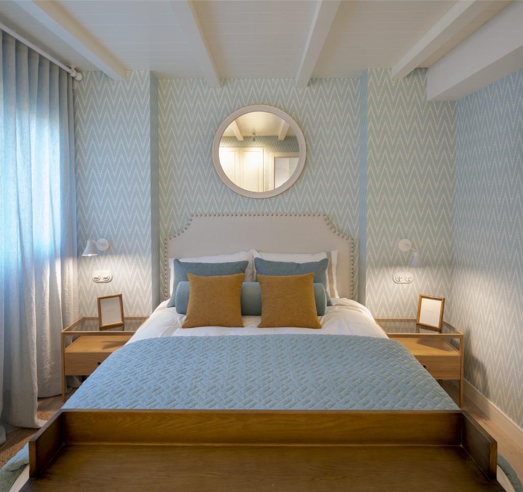 Decoración de dormitorio azul y blanco
