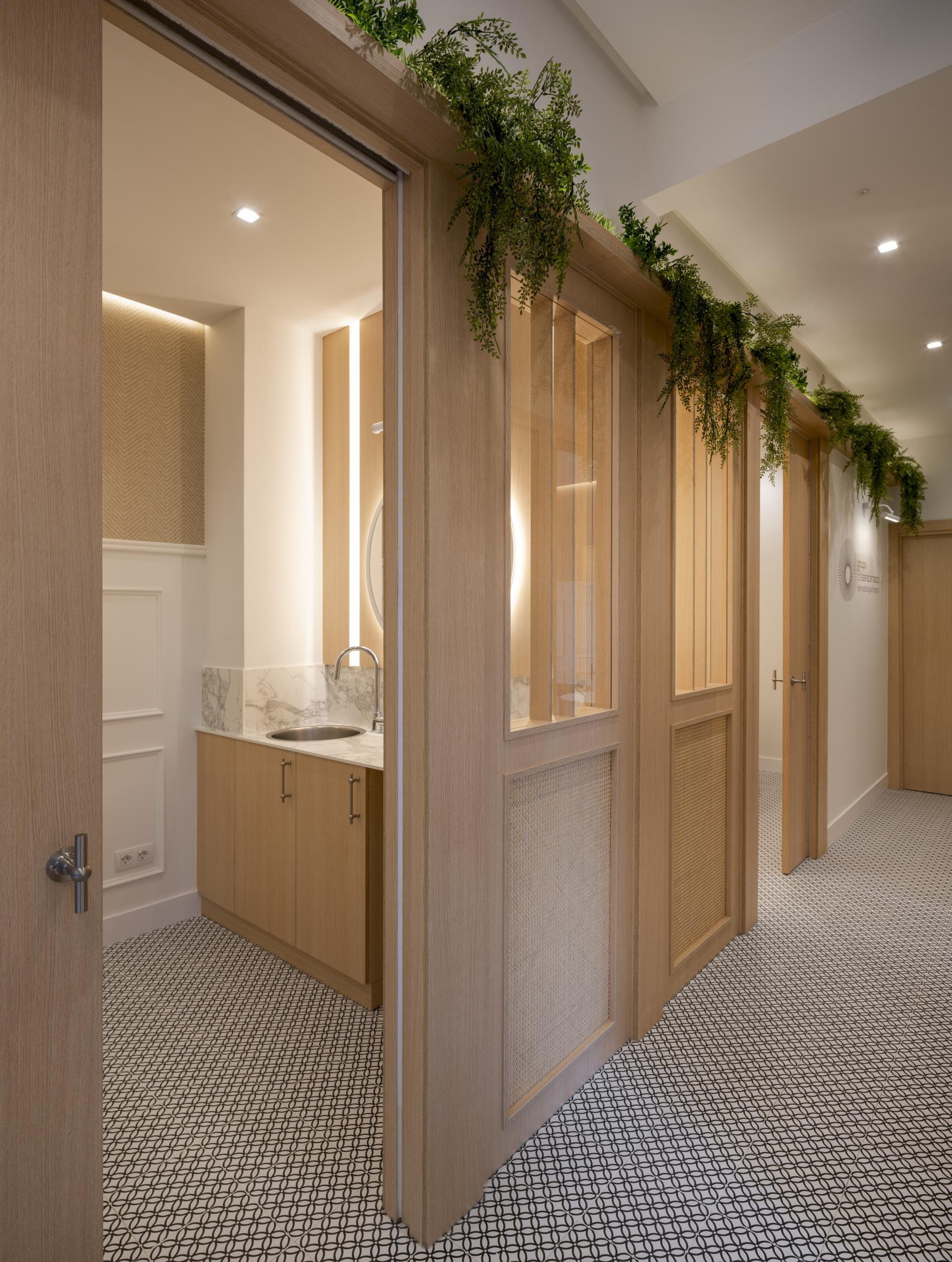 Diseño interior de clinica, reforma integral Sube Interiorismo Bilbao